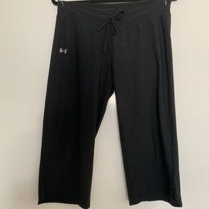 UNDER ARMOUR Wide Leg Capris (Black)